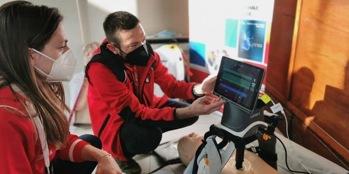 Nei nostri corsi sempre il training in team con LUCAS3 e manichini digitali QCPR SkillReporter2 di nuova generazione.
